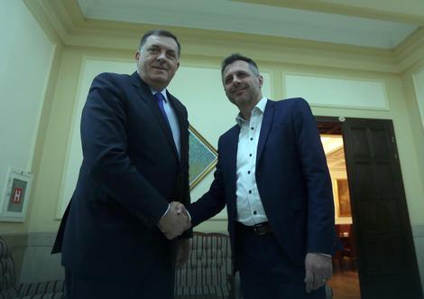 Vlada Srpske preuzima 29 miliona KM duga banjalučke Toplane