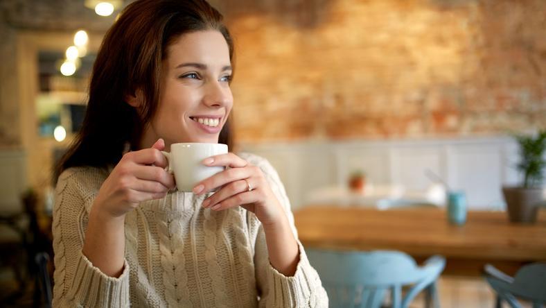 Kiderült  mit árul el egy csésze kávé az étteremről  - Blikk.hu cf07c7985a