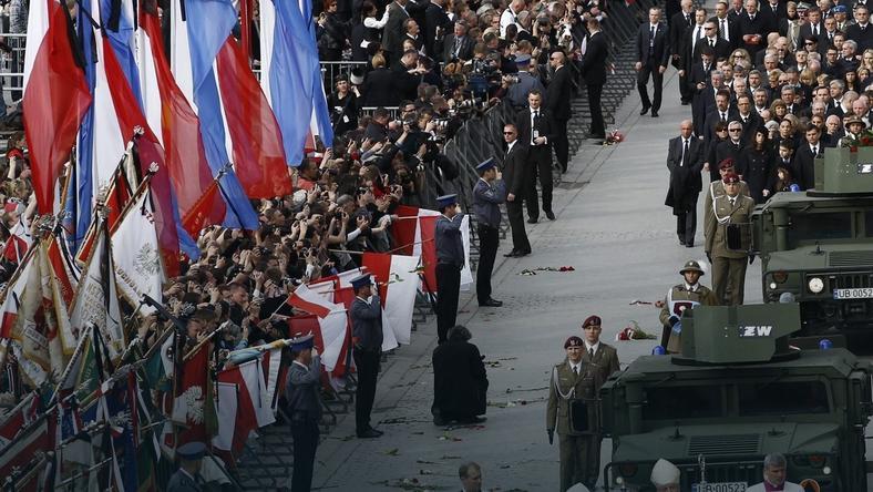Image result for pogrzeb lecha Kaczyńskiego na Wawelu