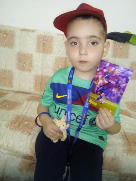 Dečak iz Leskovca dobio poklon slavne Barselone