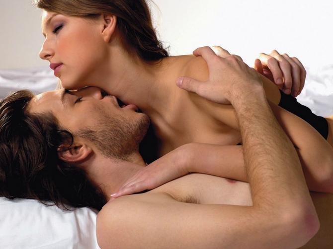 Žene ovu pozu izbegavaju, a muškarci je OBOŽAVAJU! I to zbog ove 4 stvari
