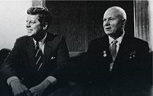 Džon Kenedi i Nikita Hruščov na razgovoru u Beču