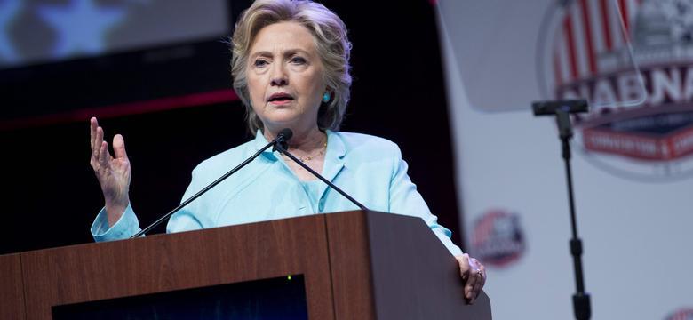 Nowe rewelacje dotyczące fundacji Clintonów - Trump ponawia zarzuty
