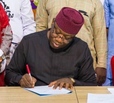 Governor Kayode Fayemi of Ekiti says he was in South Africa before the government pulled out of WEF (Punch)