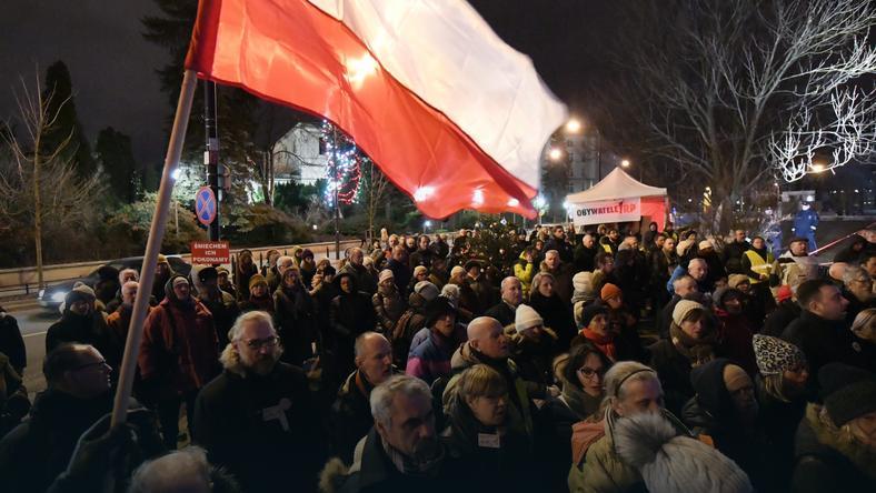 43 proc. badanych uważa, że w 2016 roku stan demokracji w Polsce pogorszył się43 proc. badanych uważa, że w 2016 roku stan demokracji w Polsce pogorszył się