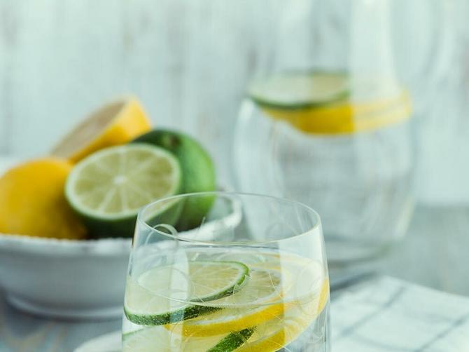 Topla voda s limunom rešava jedan veliki problem i vraća osmeh na lice!