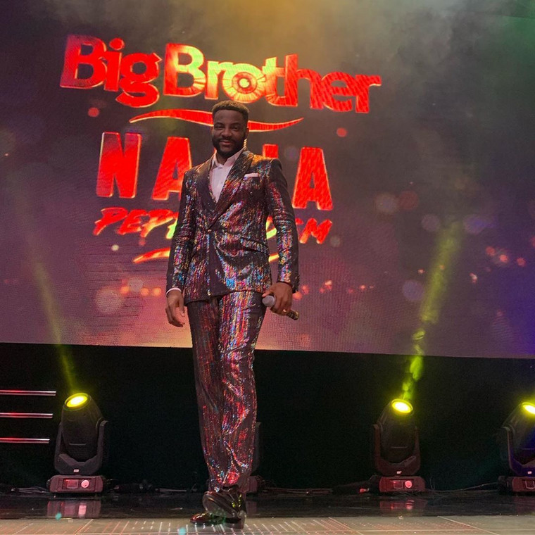 Okay, guys, there are suits and there is the kind of suit only Ebuka can be spotted on. Words can't describe how cute he looked in the bedazzled suit. [Instagram/BigBroNaija]