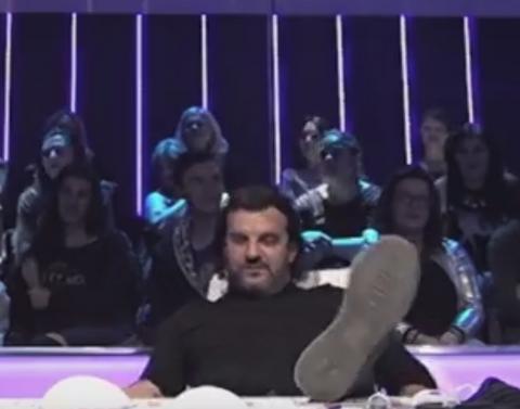Haos u Zvezdama Granda! Lukas PONOVO pao sa stolice! VIDEO
