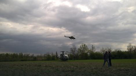 Vojni helikopetri nadleću mesto pada aviona Galeb 4