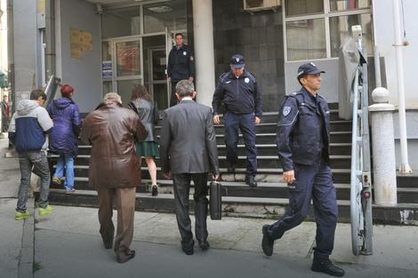 evakuacija pocela uoci sudjenja za ubistvo