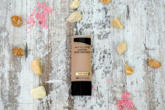Max Factor Lasting Performance puder
