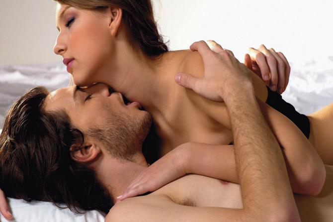 8 razloga za jutarnji seks: Četvrti će vam se NAROČITO DOPASTI
