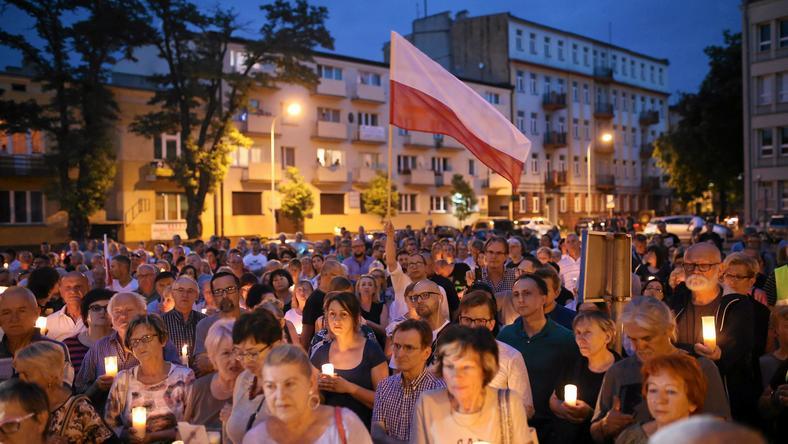 W lipcu Akcja Demokracja organizowała protesty na ulicach całej Polski
