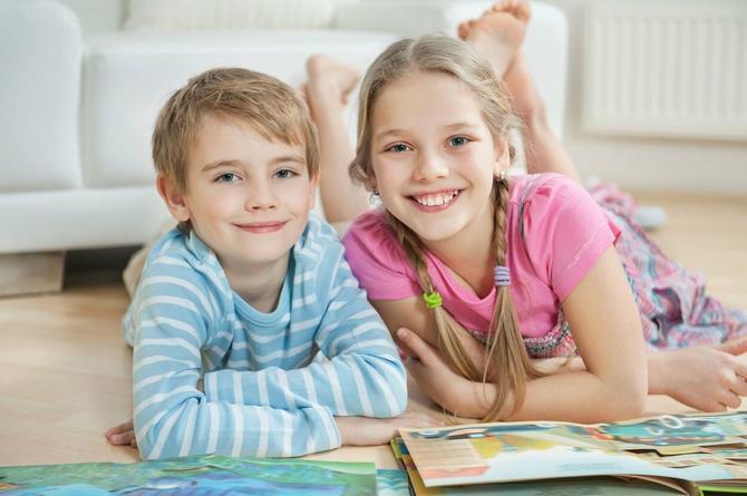 Deca koja tokom odrastanja slušaju dva jezika imaju veći IQ od dece koja su okružena samo jednim.