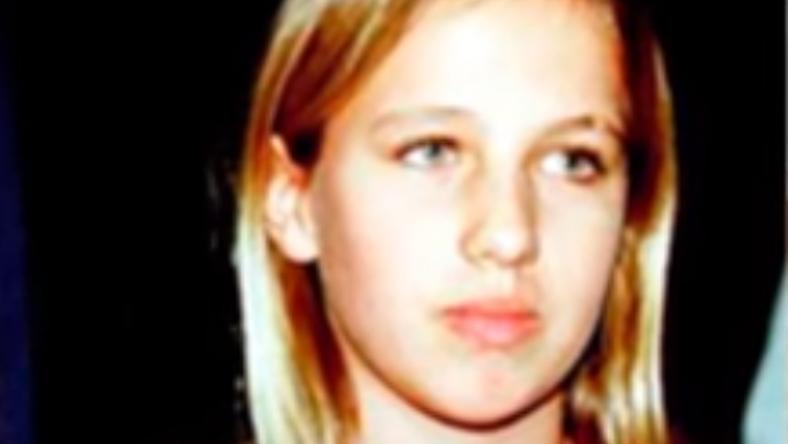 Donatella Versace fiatalon