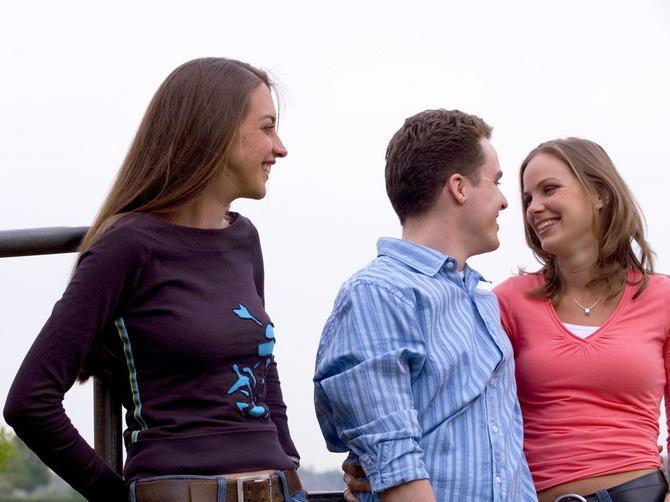 Zbog kakve devojke može da te OSTAVI: Rak zbog nežnije, a Lav zbog zabavnije!