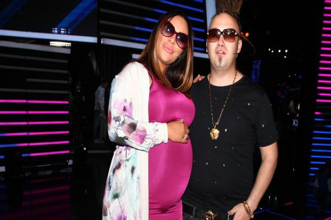 Ana Nikolić u 8. mesecu trudnoće izgleda OVAKO! Jednu stvar joj žestoko ZAMERAJU