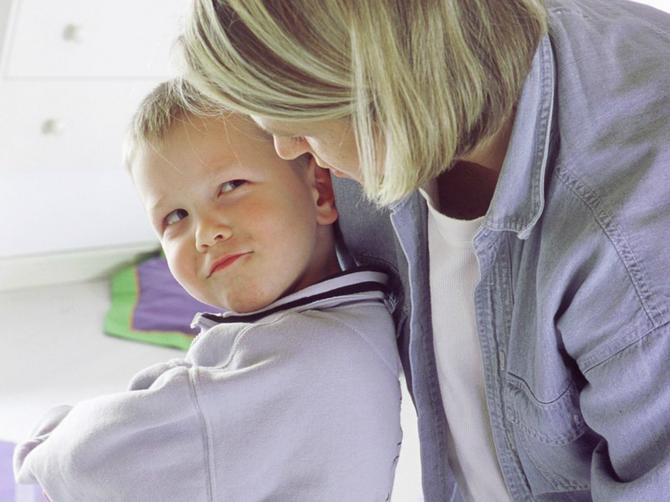 Američki stručnjaci tvrde: Udarajte decu po guzi. Šta vi mislite o tome?