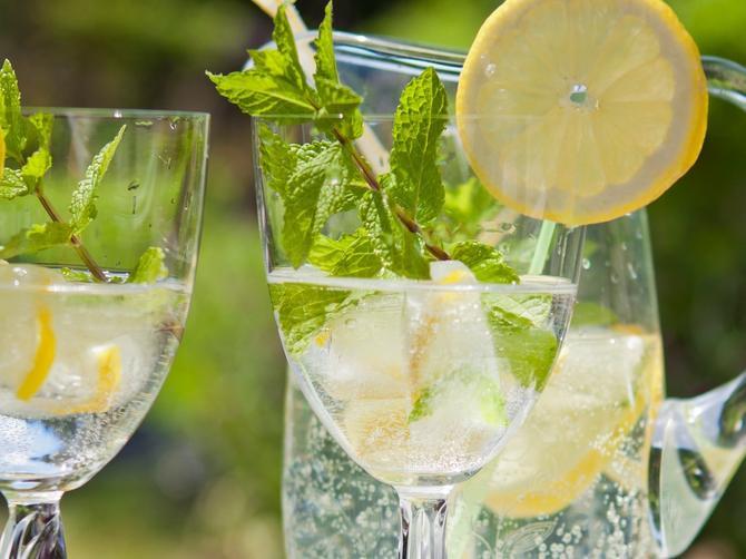 U limun se kunemo da je zdrav! Ali od ovog voća možete i da se razbolite!