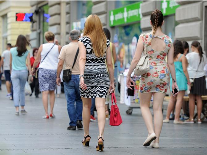 Krznene papuče su svima dojadile: Ova Beograđanka ih je POSLALA U ISTORIJU i obula nešto MNOGO BOLJE