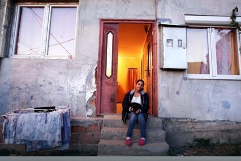 Kristina ispred svog doma