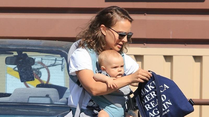 Fel se ismerné: ilyen az, amikor Natalie Portman elugrik valahova a gyerekeivel – fotók