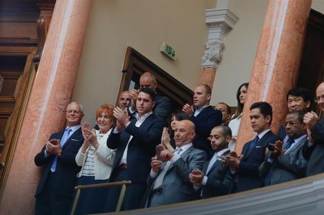 Vučić je već položio zakletvu u Skupštini Srbije