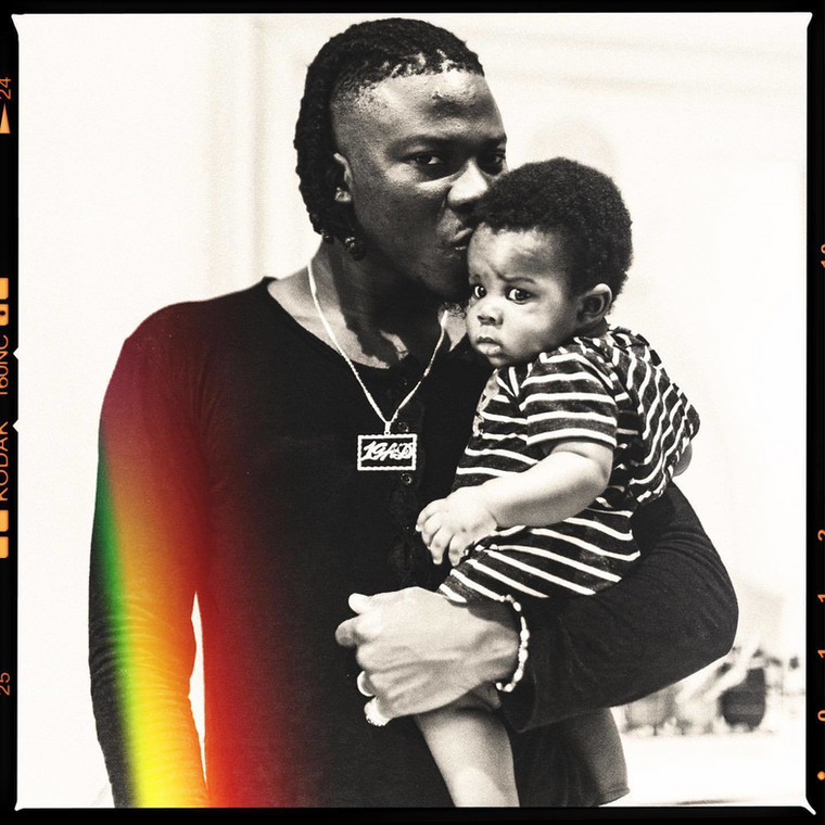Stonebwoy and son
