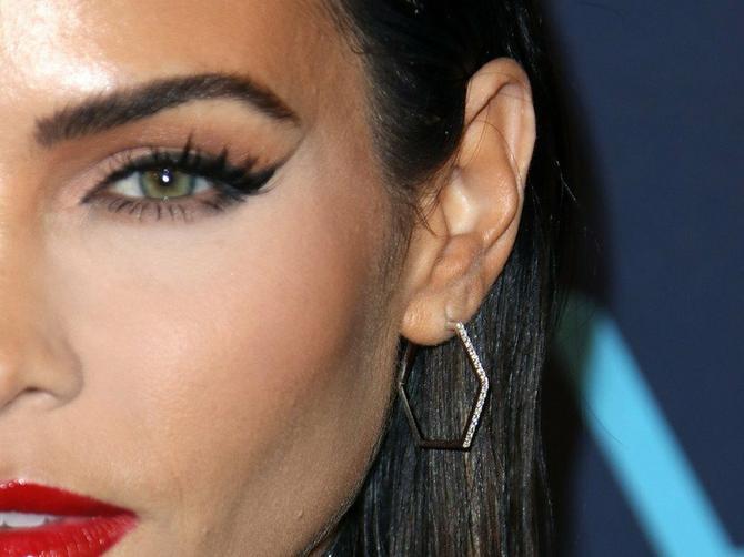 Katastrofe poznatih sa šminkom: Bile su sigurne da su savršeno izgledale, ali su završile na listi BLAMOVA!