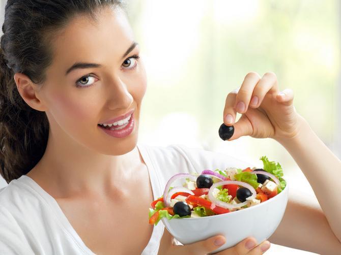 Nutricionistkinja slavnih otkriva: Ugljeni hidrati na svaka tri sata ključ za vitku liniju