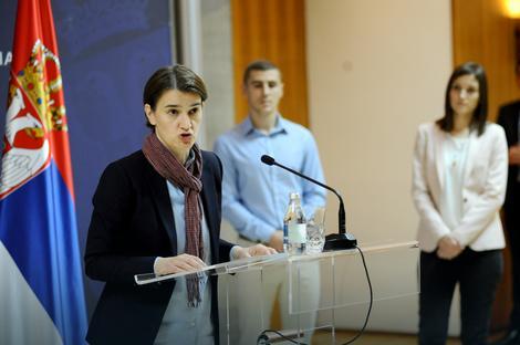 Srbija je dobila 100 novih IT stručnjaka