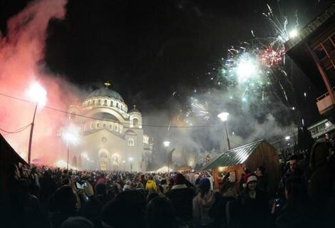 Vatromet ispred Hrama Svetog Save