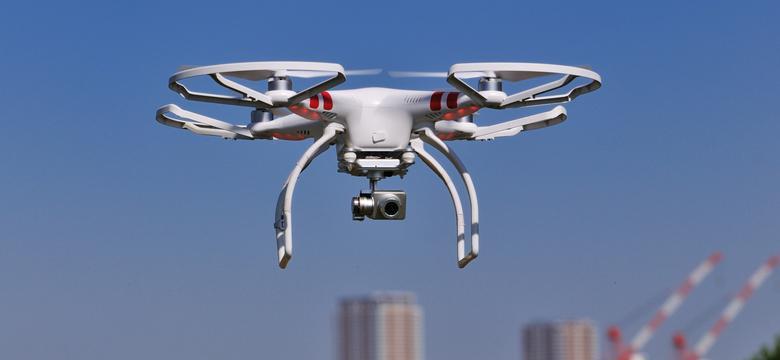 Rosjanin, który sterował dronem nad siedzibą rządu, został wydalony z Polski