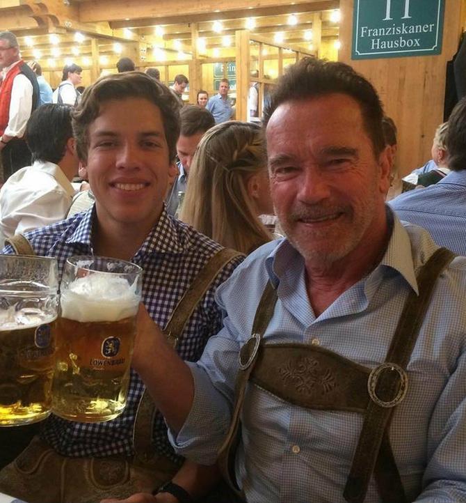 Arnold Švarceneger i njegov sin Džozef Bin su veoma slični