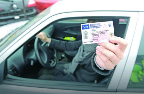 Međunarodna ne važi bez nacionalne vozačke dozvole
