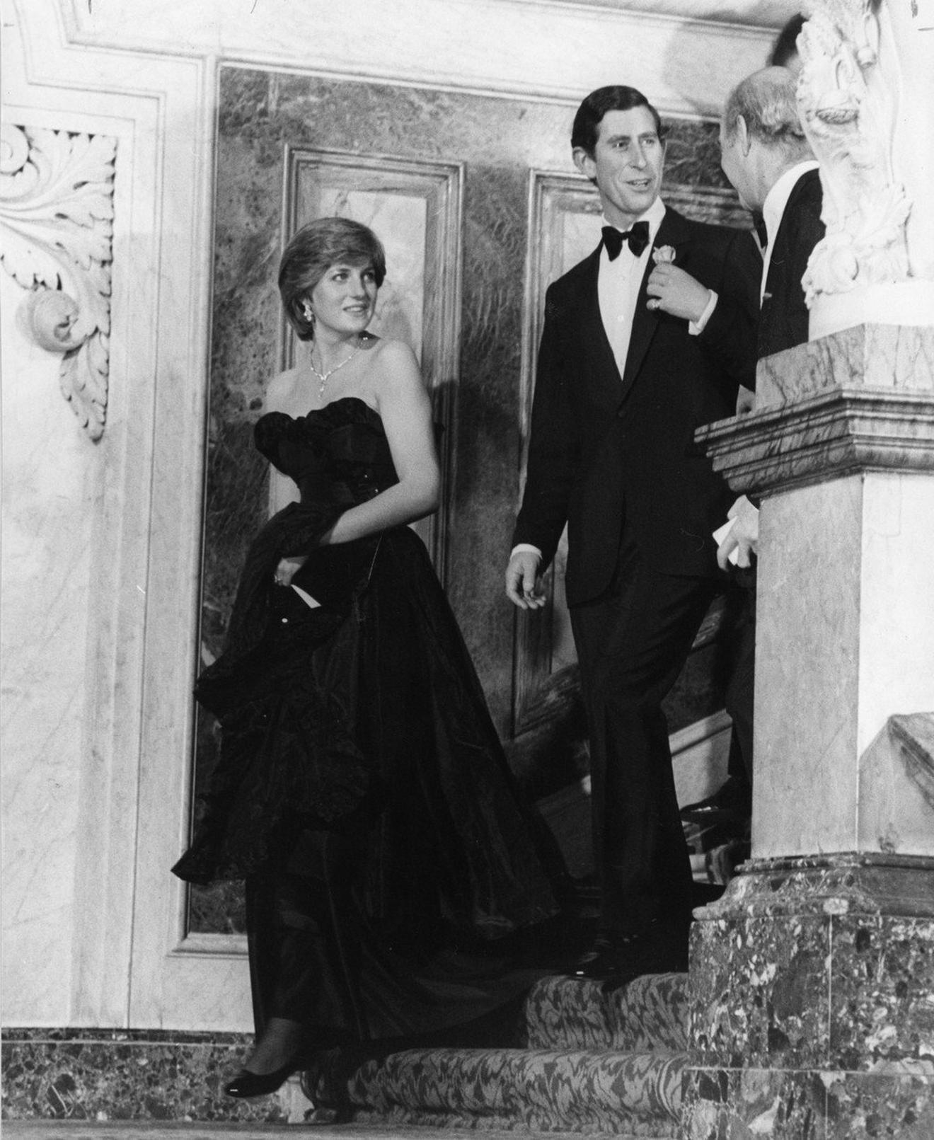 Buduća princeza i princ na zabavi na kojoj su objavili veridbu i najavili venčanje