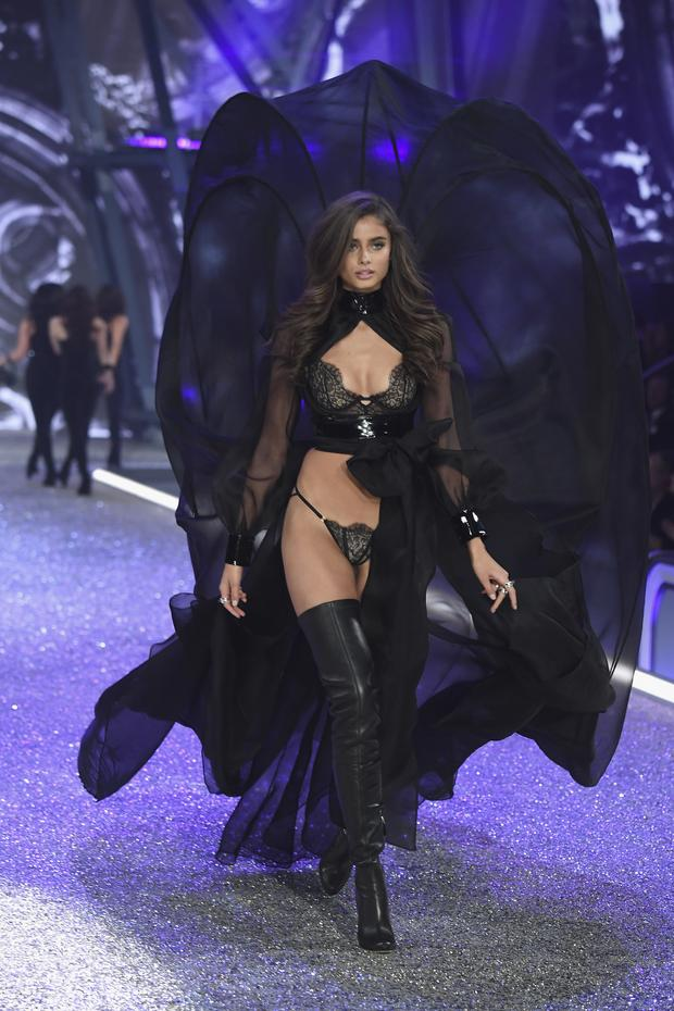 Taylor Hill a jej chôdza. (Foto: Getty Images)
