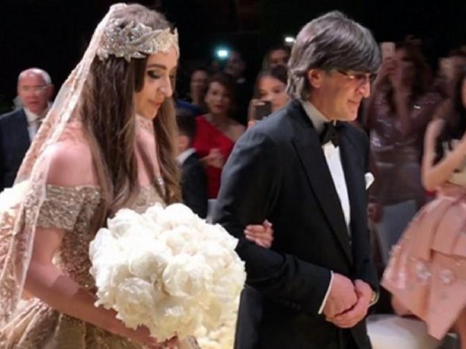 Ovako izgleda ruska svadba od 10 MILIONA DOLARA: Pevala je Lejdi Gaga, a mladina haljina - RAJ ZA OČI