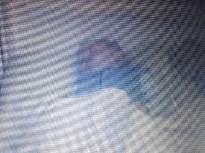 Roditelji snimali svoju bebu dok spava: Ono što su zabeležili je JEZIVO!