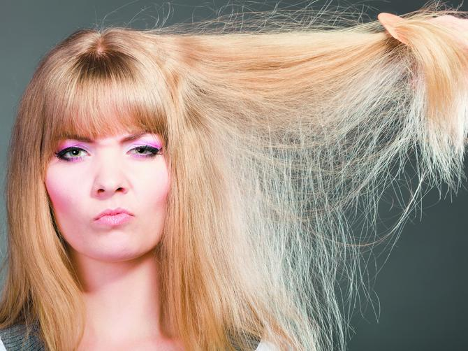 Naelektrisana kosa ne mora da bude vaš problem: Pobedite je ovim trikovima!