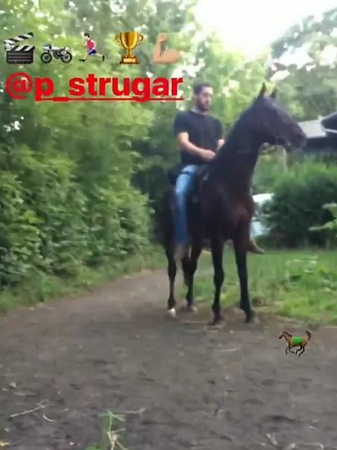 KAKAV SPOJ! Evo s kojom rijaliti zvezdom se druži Petar Strugar!