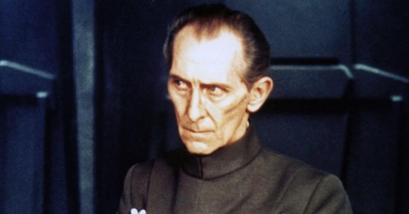 Peter Cushing jako Grand Moff Tarkin