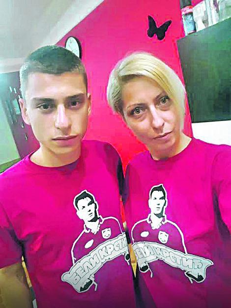 Ivan Krstić junior sa majkom Anom