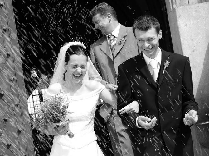 Ovo su najstariji svadbeni običaji koji garantuju DUGOVEČAN BRAK: Da li zante zašto se nosi BUKLIJA?