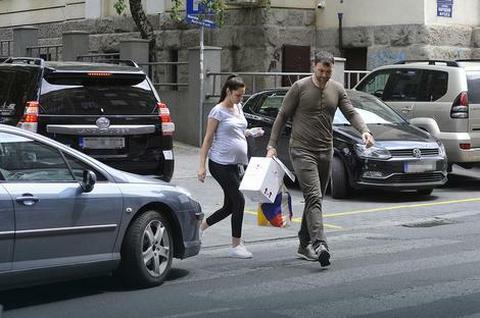 Vlada Mandić odveo ženu u porodilište: Evo koje ime biraju za devojčicu!