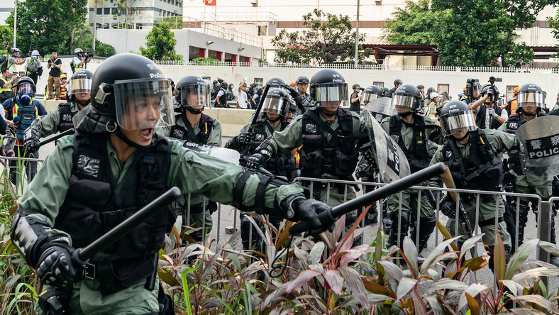 Apple bans Hong Kong's police, protesters location tracking app