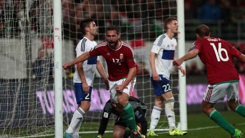 A Feröer elleni vb-selejtezőt Böde Dániel (szemben) góljával megnyerő  válogatottnak október 17 9f8726b206