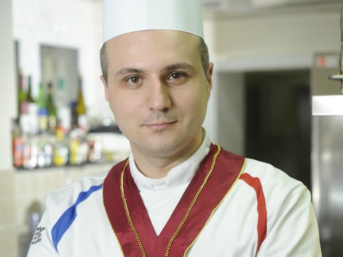 Srbi vole da probaju novo, ali baklava i krempita su večne ljubavi