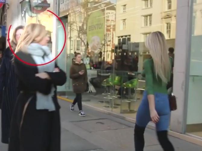 Kada je ONA prošetala ulicom, svi su gledali u nju! Možete li da pogodite zašto?