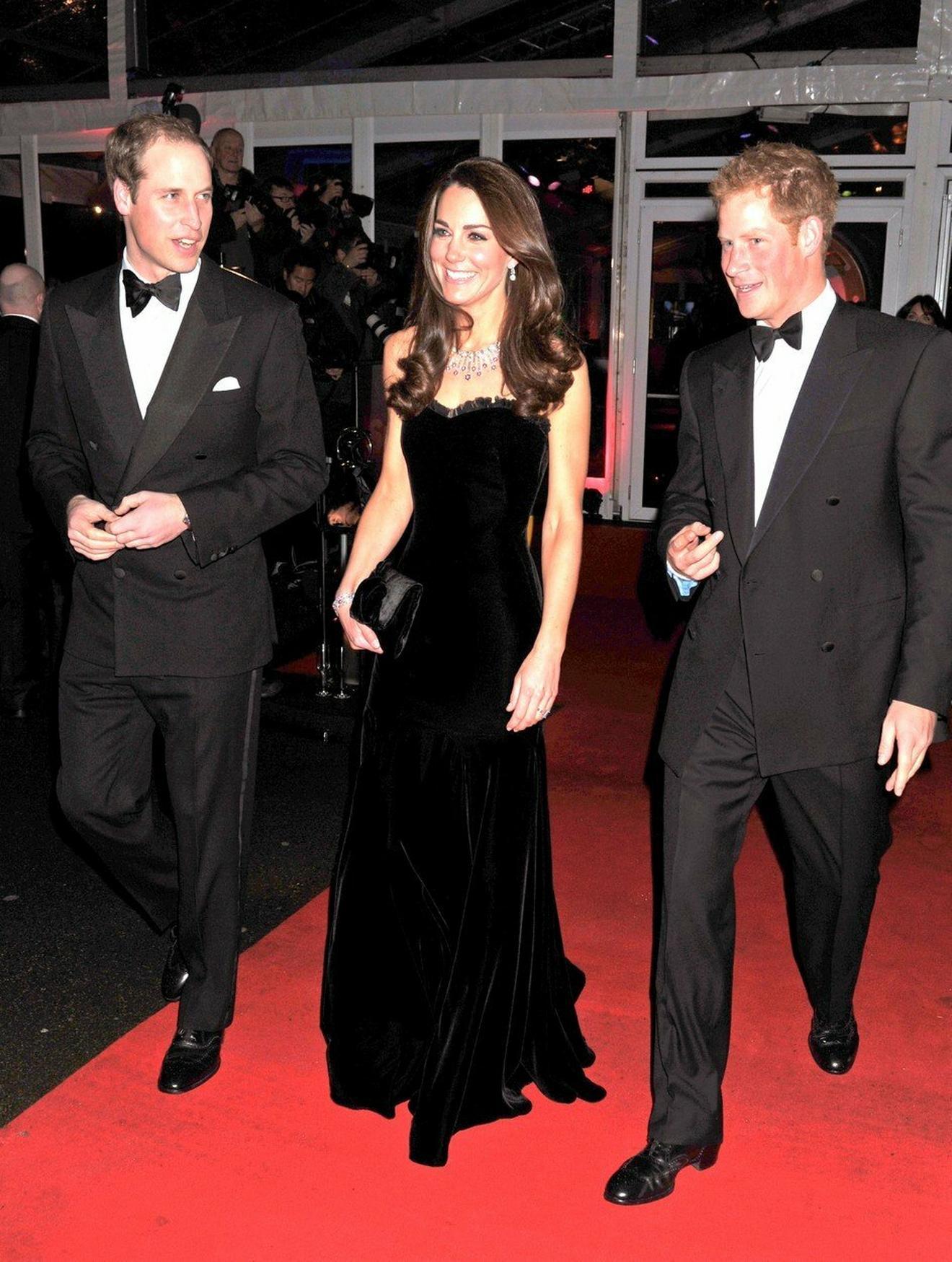 Jedno od prvih javnih pojavljivanja vojvotkinje i vojvode od Kembridža: sa Kejt i Viliijamom je 2011. na dodeli